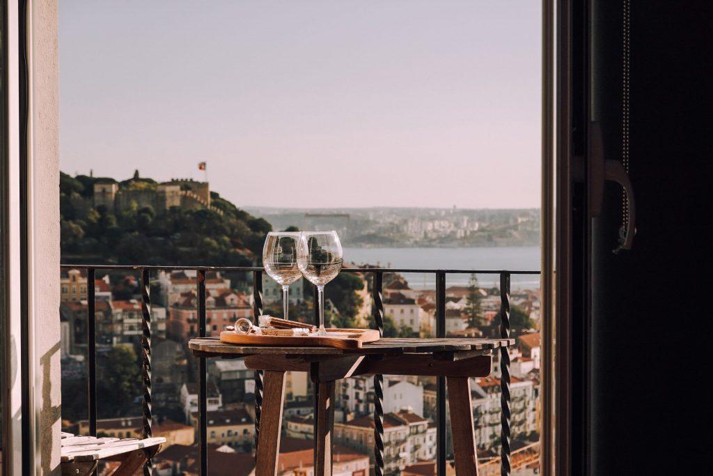 How to Arrange a Cozy Balcony?